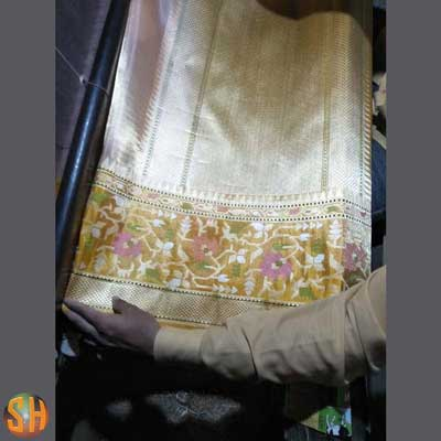 Banaras-handloom-tissue-silk