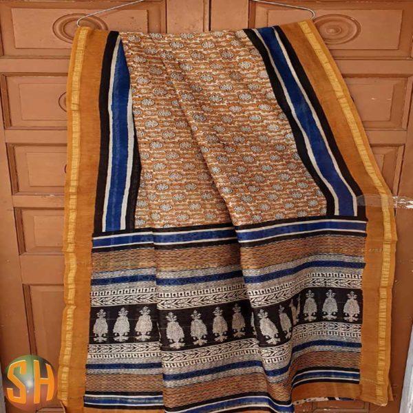 Chanderi-silk-saree-with-golden-zari-border-and-Blouse-piece-